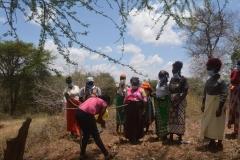 Kenya21400-21401-Handwashing-with-tippy-tap
