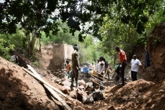 Kenya21400-21401-working-on-dam-and-well-site-1